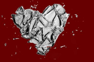 shattered_glass_heart_by_piggilovex3-d4qmv2p