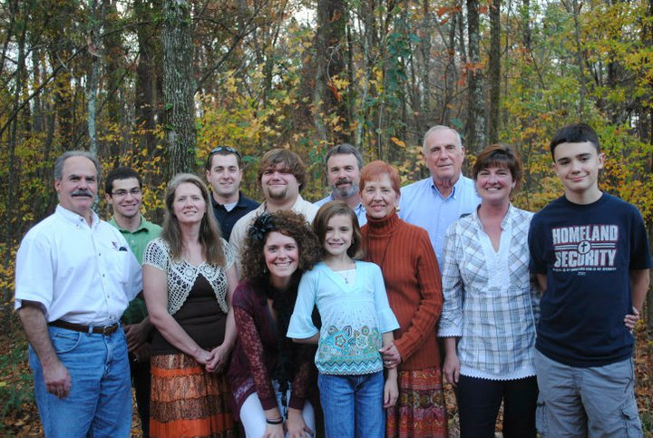 extended-desimone_hart-family-thanksgiving-2010